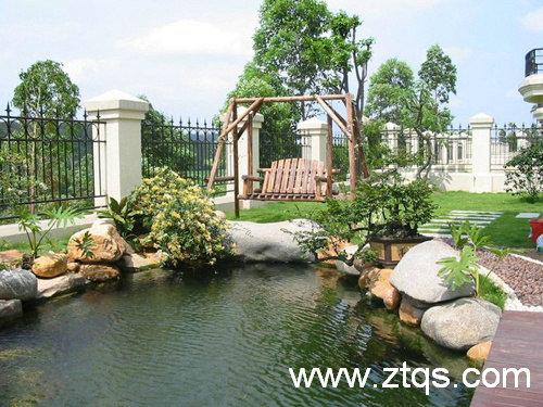 别墅庭院鱼池小桥休闲景致
